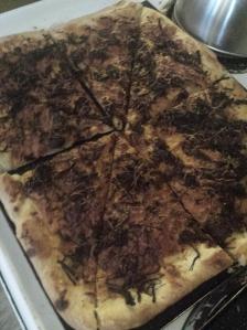 Cut bbq pizza