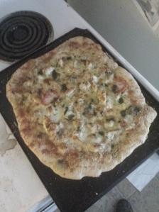 chicken garlic alfredo pizza