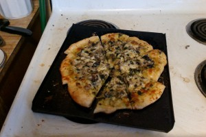 pesto pizza cut